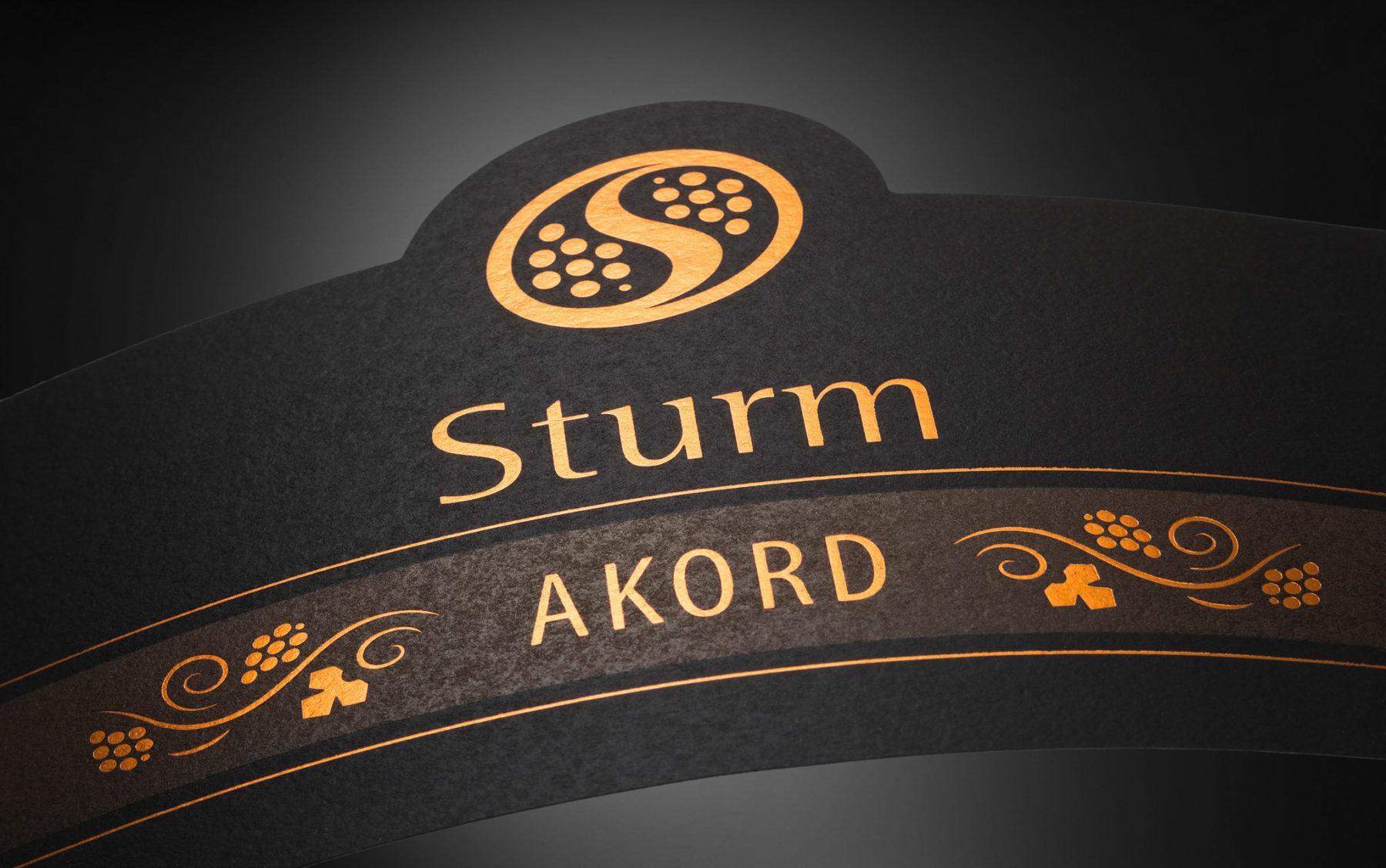 Sturm (Šturm) - etiketa za vino Akord. · Fotografija: Marijan Močivnik, 2017