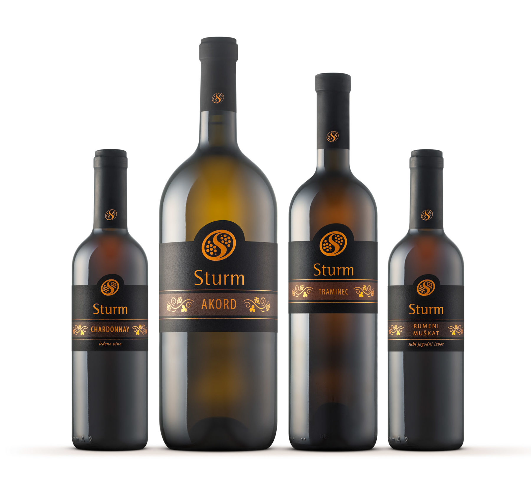 Sturm (Šturm) - nekaj vin tako imenovane Zlate kolekcije · Naročnik: Otmar Šturm, Metlika · Fotografija steklenic: Primož Brankovič · 2016· Več o našem fotografiranju steklenic: www.bottleshooters.eu